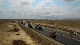 К лету в Азербайджане завершится строительство 100-километрового участка новой магистрали - Gallery Thumbnail