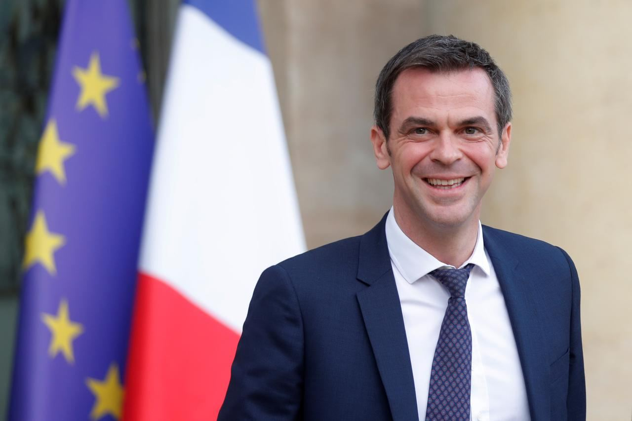 France watching Italian situation closely: Health Minister