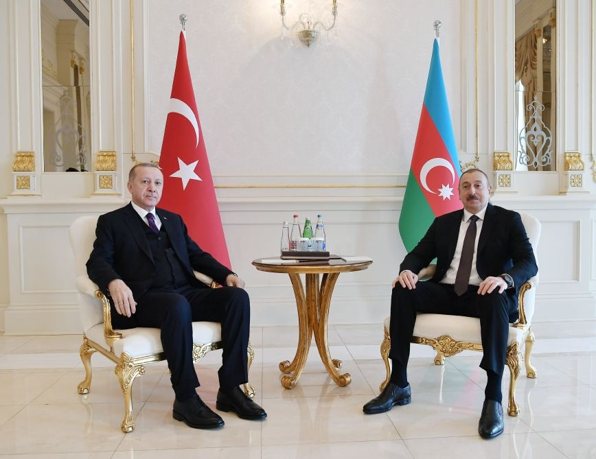 Azerbaijani, Turkish presidents hold one-on-one meeting (PHOTO)