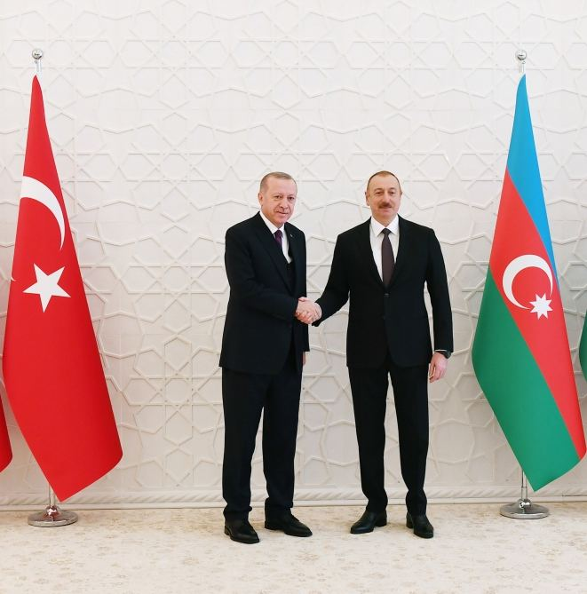 Presidents of Azerbaijan, Turkey hold phone talks