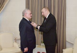 "President Ilham Aliyev presents Order ""For Service to Motherland"" 1st Class to Artur Rasizade (PHOTO) (UPDATE)"
