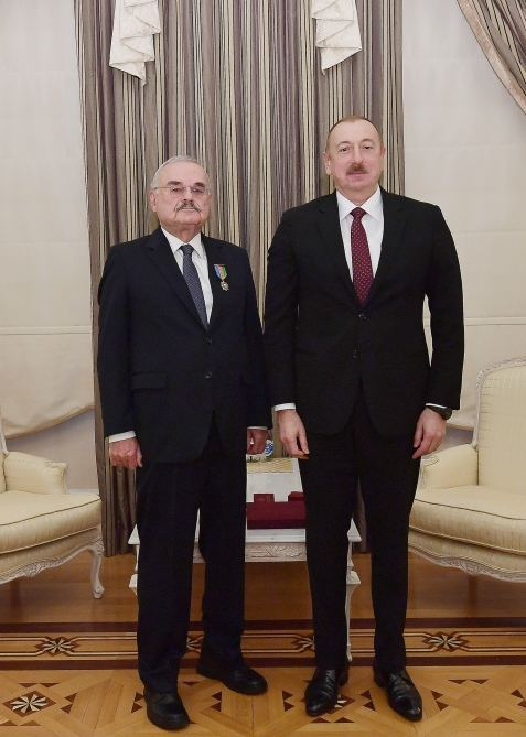 "President Ilham Aliyev presented Order ""For Service to Motherland"" 1st Class to Artur Rasizade (PHOTO) - Gallery Image"