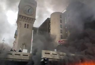 Protesters start fire near Paris Gare De Lyon railway station