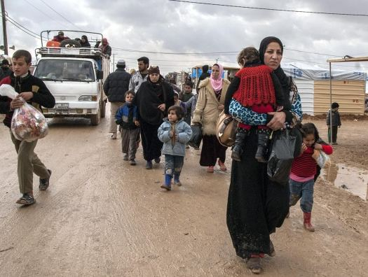 Turkey, with more dead troops, says it won't stop Syrian refugees reaching Europe