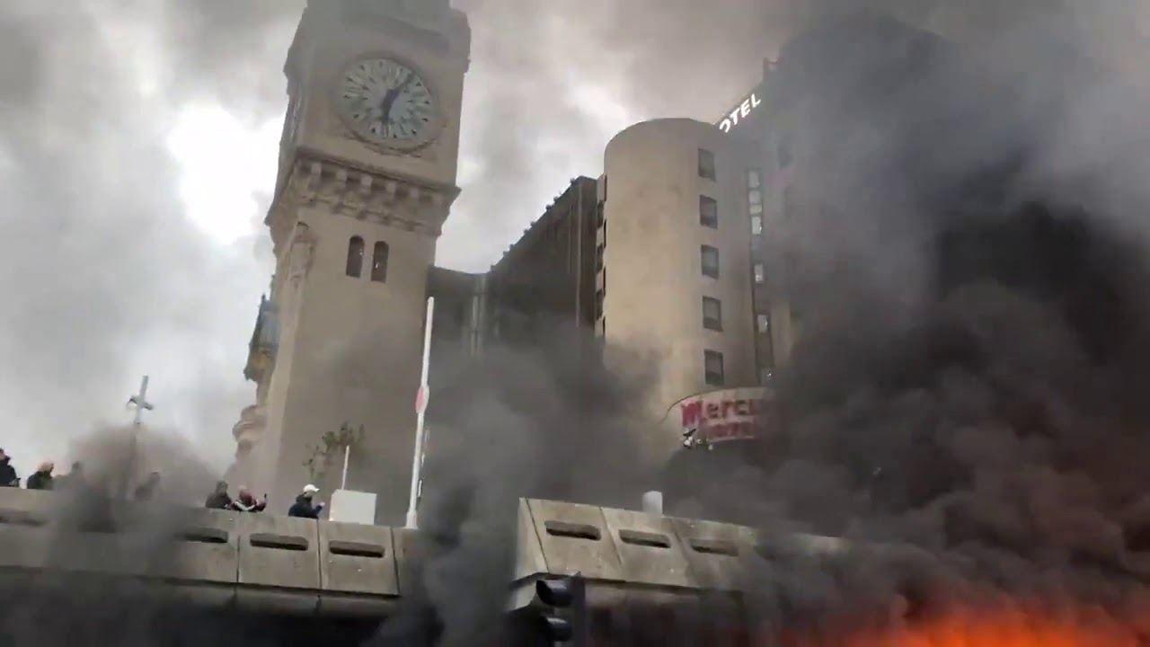 Protesters start fire near Paris Gare De Lyon railway station