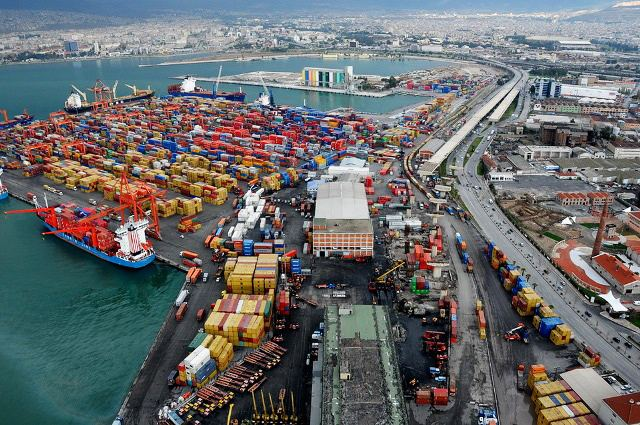Turkey reveals seven-month number of trailers, containers shipped through its ports