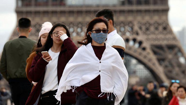 Fransada sutka ərzində koronavirusdan 231 nəfər ölüb