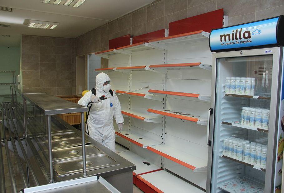 Metroda dezinfeksiya işləri aparılır (FOTO) - Gallery Image