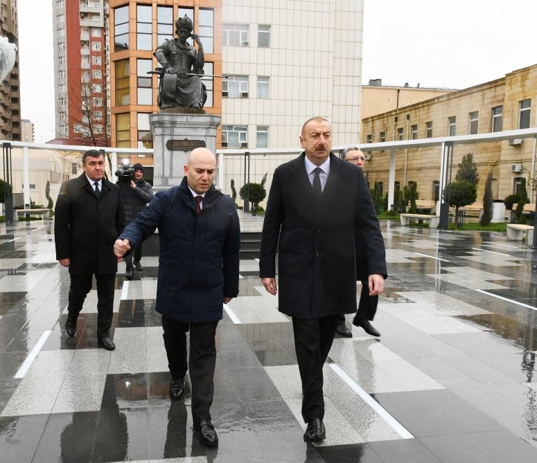 Azerbaijani president visits newly-built park with statue of Shah Ismail Khatai (PHOTO/VIDEO) - Gallery Image