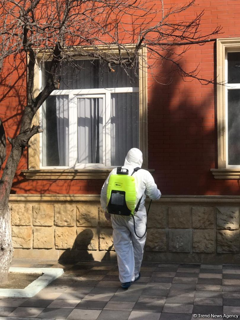 Disinfection work ongoing in Baku amid COVID-19 threat (PHOTO)
