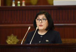 Началось очередное пленарное заседание весенней сессии парламента Азербайджана