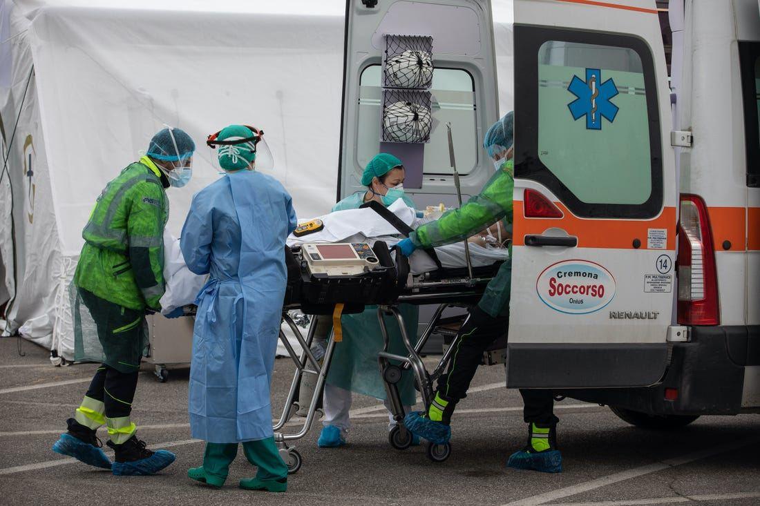 En Italia, el número total de víctimas de coronavirus superó los 13 mil. 47