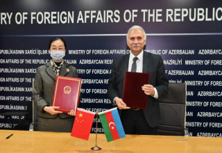 Azerbaijan, China sign assistance acts to fight COVID-19 (PHOTO)