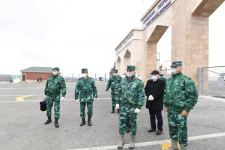 Госпогранслужба обеспечила въезд в страну азербайджанских граждан, прибывших из России (ФОТО) - Gallery Thumbnail