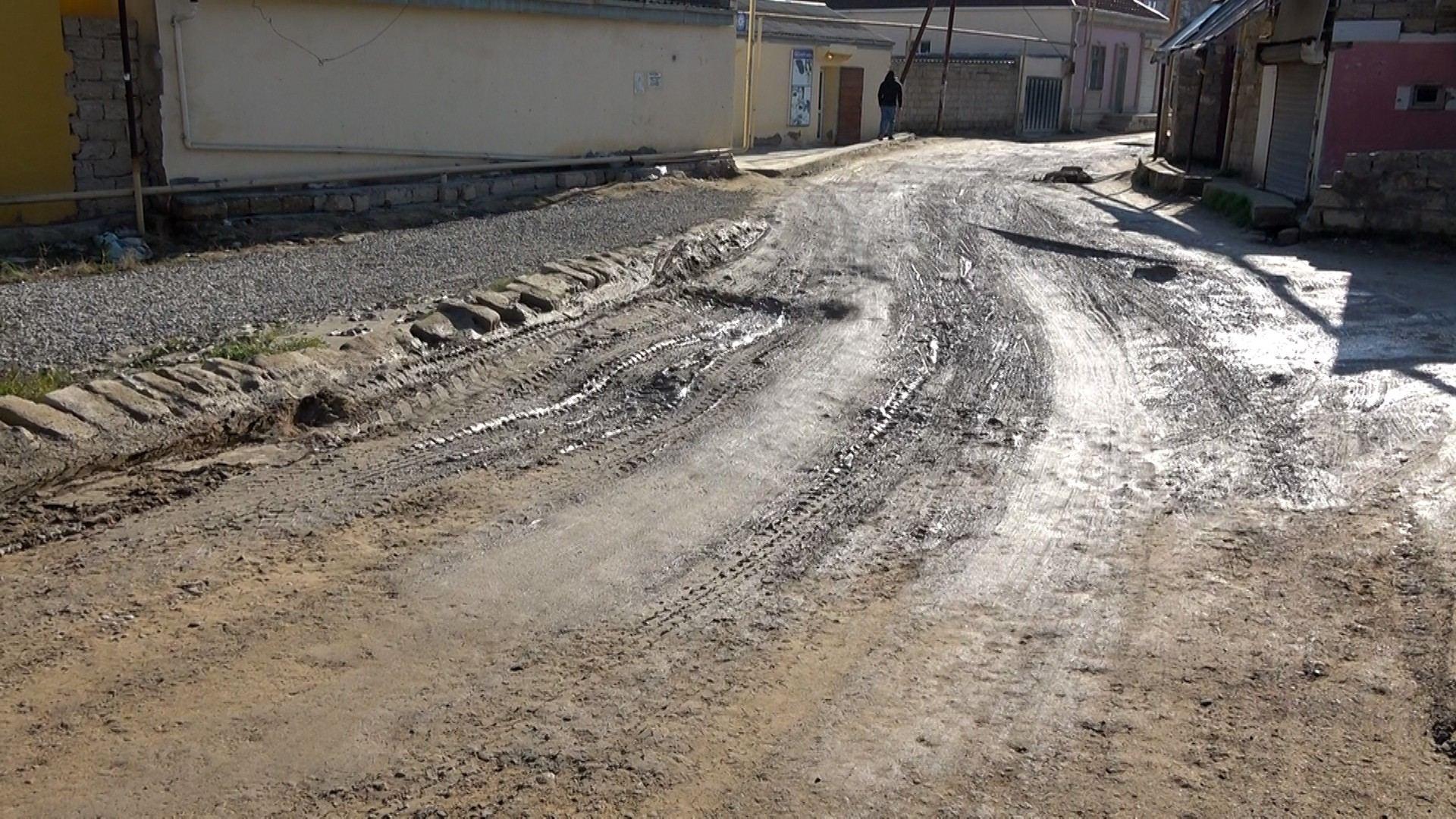 Əmircan və Hövsanda 17,9 kilometr yol təmir edilir (FOTO) - Gallery Image