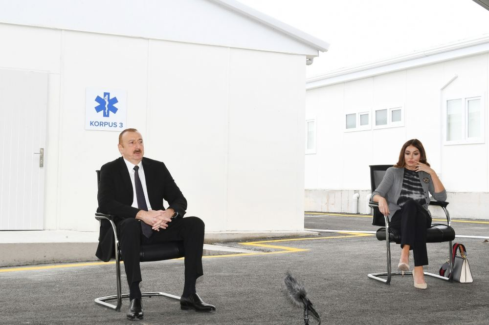 Azerbaijani president, first lady attend opening of Baku's first modular hospital complex (PHOTO/VIDEO) - Gallery Image