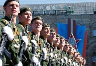 Belarusda hərbi parad keçirilir