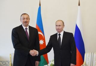 Azerbaijani, Russian presidents hold phone talks