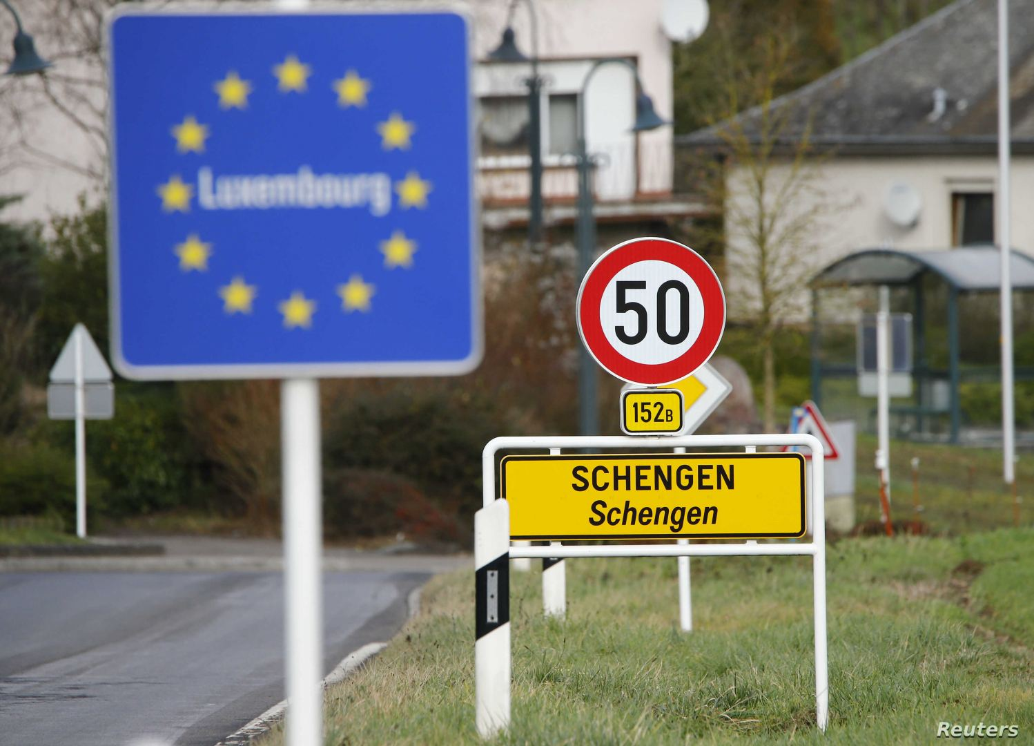 EU starts lifting travel restriction for third countries