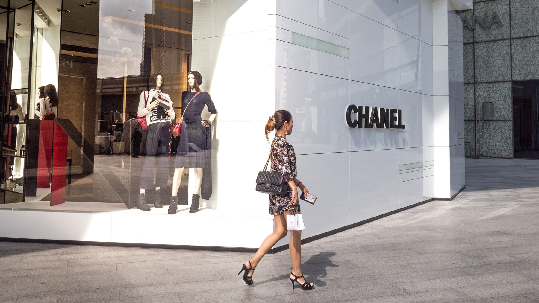 South Korea shoppers line up before dawn ahead of expected Chanel price hike