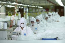 Azerbaijan's textile factory reveals daily production volume of medical masks (PHOTO) - Gallery Thumbnail