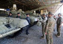 Министр обороны Азербайджана понаблюдал за передовыми позициями ВС Армении и дал указания (ФОТО/ВИДЕО) - Gallery Thumbnail