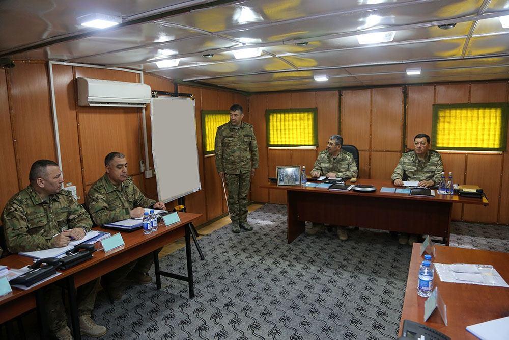 Министр обороны Азербайджана понаблюдал за передовыми позициями ВС Армении и дал указания (ФОТО/ВИДЕО) - Gallery Image