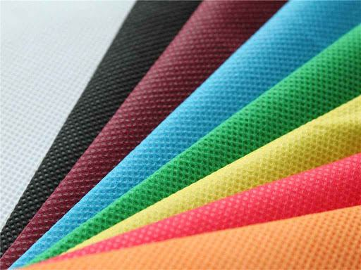 Turkmenistan masteres production of new non-woven material
