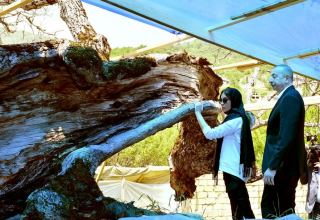 President Ilham Aliyev, First Lady Mehriban Aliyeva view restoration and conservation works at Pir Omar Sultan shrine in Shamakhi (PHOTO/VİDEO)
