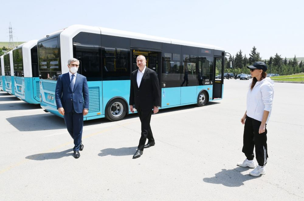 President Ilham Aliyev, First Lady Mehriban Aliyeva view transport vehicles and special machinery allocated to Shamakhi district (PHOTO/VİDEO) - Gallery Image
