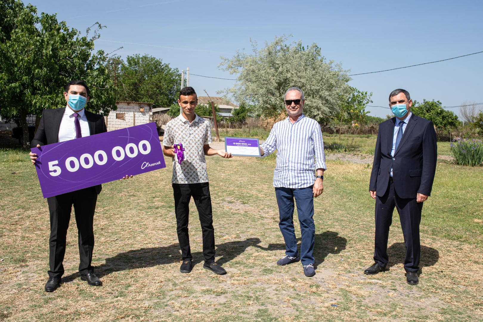 5 миллионов бьющихся сердец! Лидер сотовой связи страны Azercell поздравил своего 5-ти миллионного абонента! (ФОТО/ВИДЕО) - Gallery Image