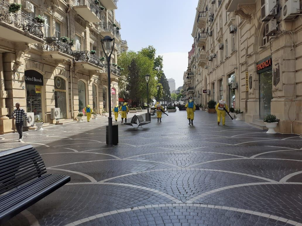 В Баку в очередной раз проводится работа по усиленной дезинфекции (ФОТО/ВИДЕО) - Gallery Image
