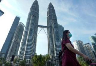 Премьер Малайзии объявил об отмене карантина, введенного более двух месяцев назад