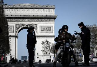 Macron to spare Paris region from weekend lockdown, for now