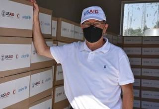 Ambassador Lee Litzenberger Visits Red Crescent Warehouse ahead of Delivery of Hygiene Supplies to 600 Households (PHOTO)