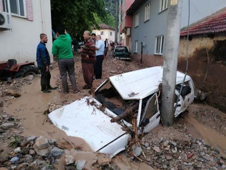 Türkiyədə daşqın nəticəsində iki nəfər həlak olub (FOTO)