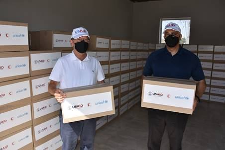Ambassador Lee Litzenberger Visits Red Crescent Warehouse ahead of Delivery of Hygiene Supplies to 600 Households (PHOTO) - Gallery Image