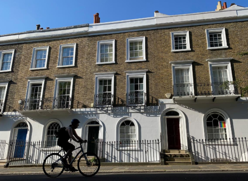 UK house prices to fall 5% this year, recover gradually