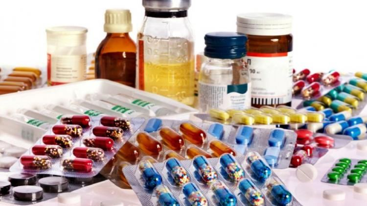 Iranian medicine importers awaiting approval of FATF related conventions