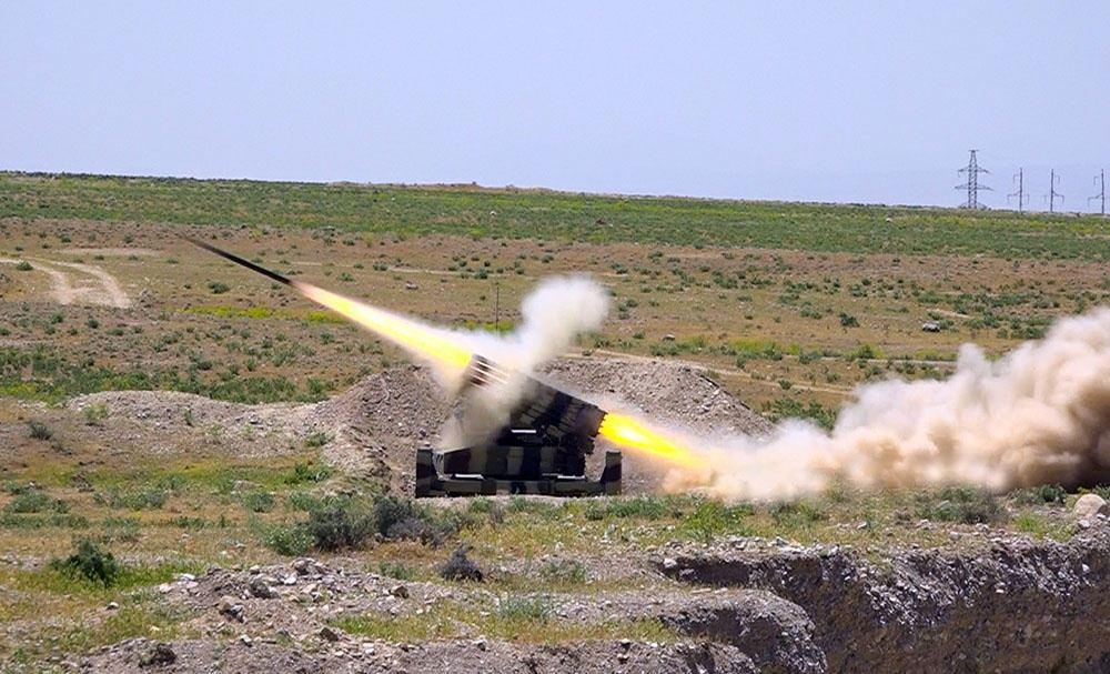 Проведены боевые стрельбы ракетно-артиллерийских подразделений Отдельной Общевойсковой армии (ФОТО) - Gallery Image