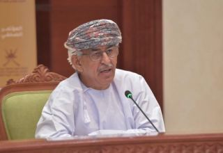 Omani health minister calls for tightening anti-coronavirus measures
