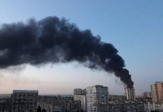 В Баку горит завод по производству красок (ФОТО/ВИДЕО)