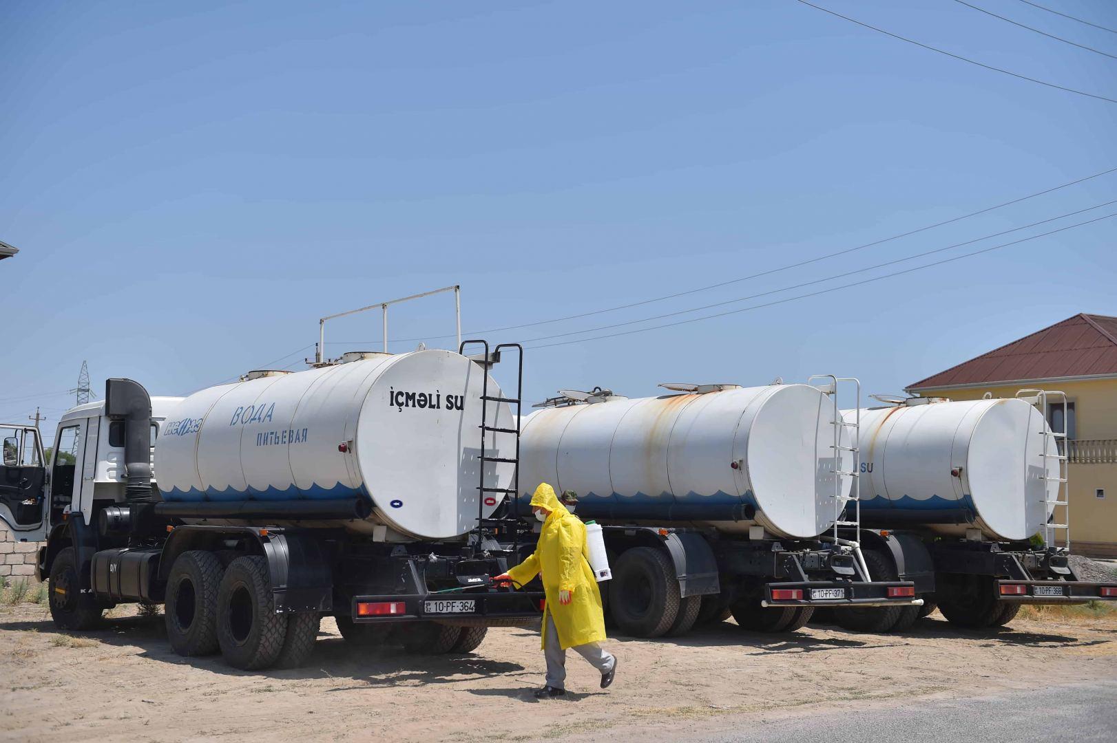 Neftçalada içməli su problemini aradan qaldırmaq üçün su çənləri quraşdırılıb (FOTO) - Gallery Image