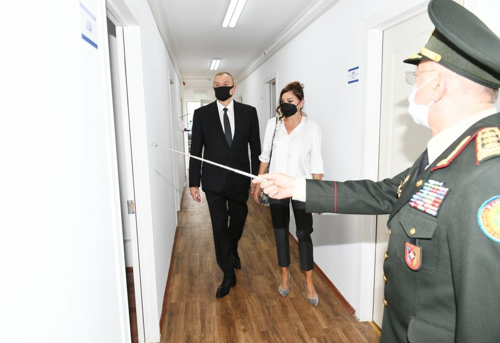 Azerbaijani president, first lady attend inauguration of modular hospital in Baku (PHOTO/VIDEO) - Gallery Image