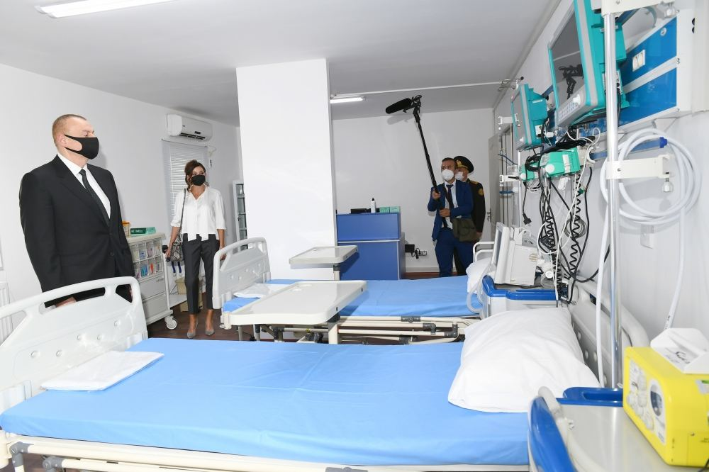 Azerbaijani president, first lady attend inauguration of modular hospital in Baku (PHOTO/VIDEO)