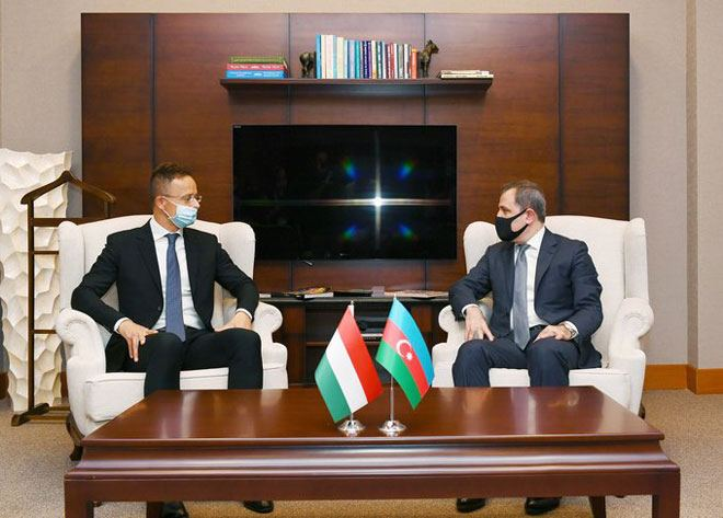 Azerbaijani, Hungarian MFAs holding meeting in expanded format (PHOTO) - Gallery Image
