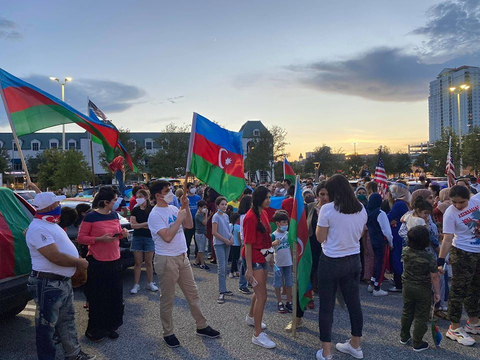 Azerbaijanis hold rally as sign of protest in Texas against Armenia's fascist actions (PHOTO)