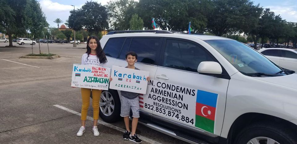 Azerbaijanis hold rally as sign of protest in Texas against Armenia's fascist actions (PHOTO) - Gallery Image