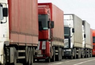 Iranian trucks start cargo transportation to Azerbaijan without transshipment