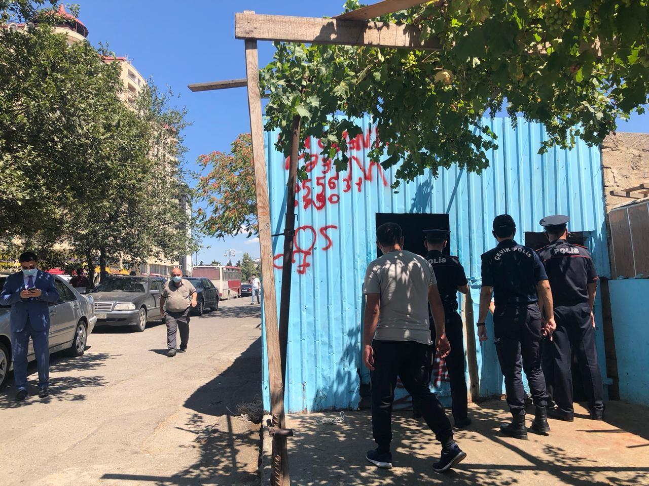 Polis qurbanlıq heyvanların satışının həyata keçirildiyi ərazilərdə reyd keçirib (FOTO) - Gallery Image